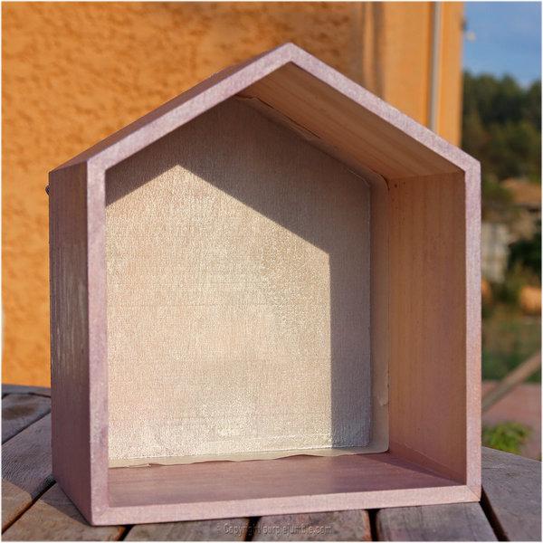 Des étagères maisons en bois customisées-Décoration de la deuxième maison