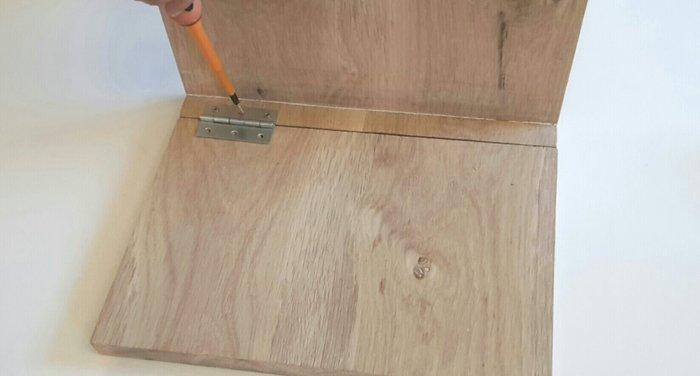 Tablette d'appoint pour canapé-Assemblez les morceaux de bois