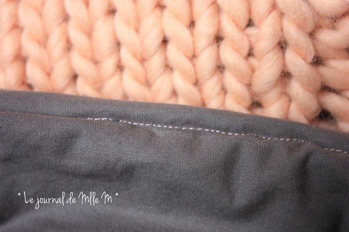 Coussin Ultra Moelleux So Cocooning (Tricot/Couture)-DIY Couture