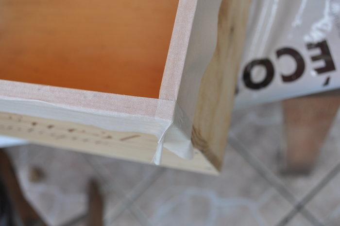 Etagères en caisse de vin-Peinture