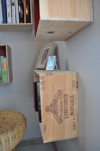 Etagères en caisse de vin-Vernir