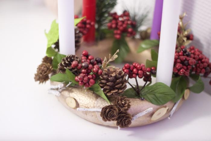 Couronne de Noël nordique cuivrée-Etape 3 : Finalisation de la décoration