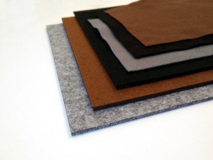 Bijoux cuivre fabriqué avec des capsules nespresso-Découpez les deux feuilles de feutre