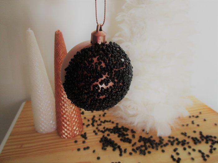 Boules de Noel cuivrées-Le titre de votre étape ici
