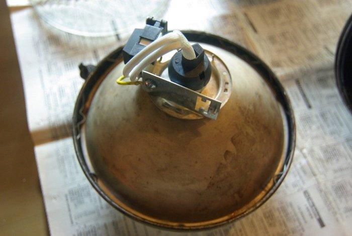 Transformer un phare en lampe de chevet !-Adapter une ampoule Led aux phares