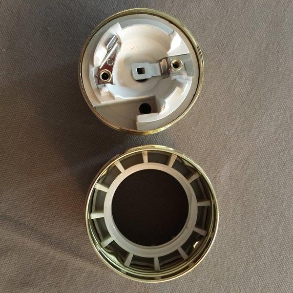 Réalisez vos ampoules suspendues-Démonter la douille