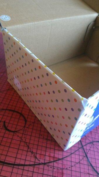 Boite de rangement de fils d'ordinateur-Coller le papier sur la boite à chaussure