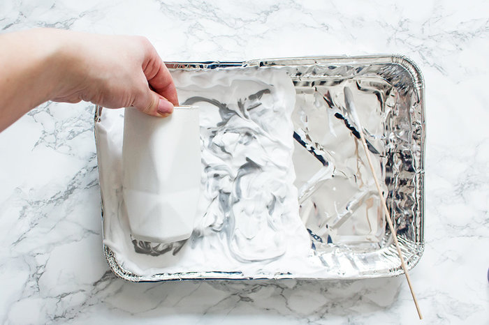 DES VASES EFFET MARBRE-Réaliser l'effet marbre