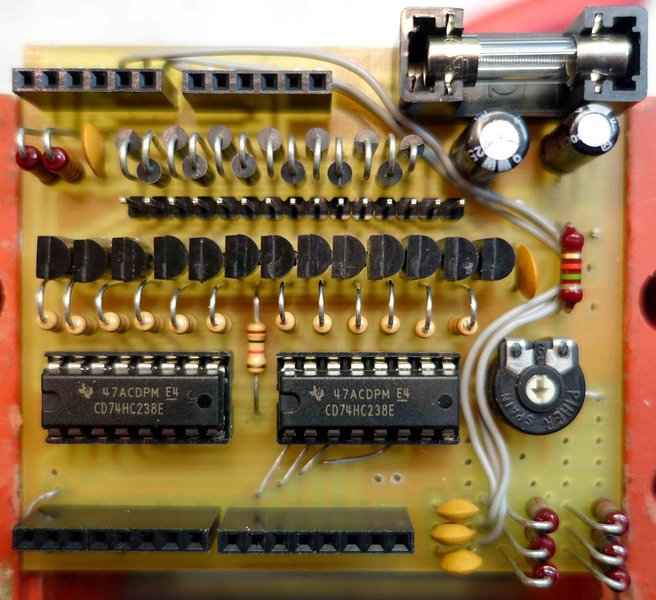 Carillon 13 cloches avec horloge RTC et DCF.-Le circuit électronique
