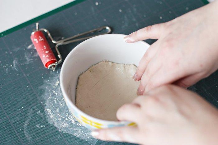 Une coupelle porte bijoux-Préparer la base