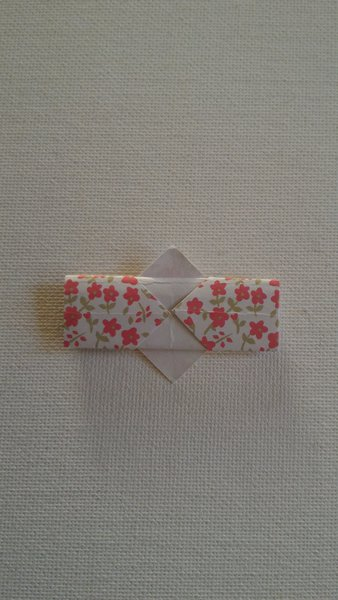 Étui à baguettes en origami-Mettre un point de colle