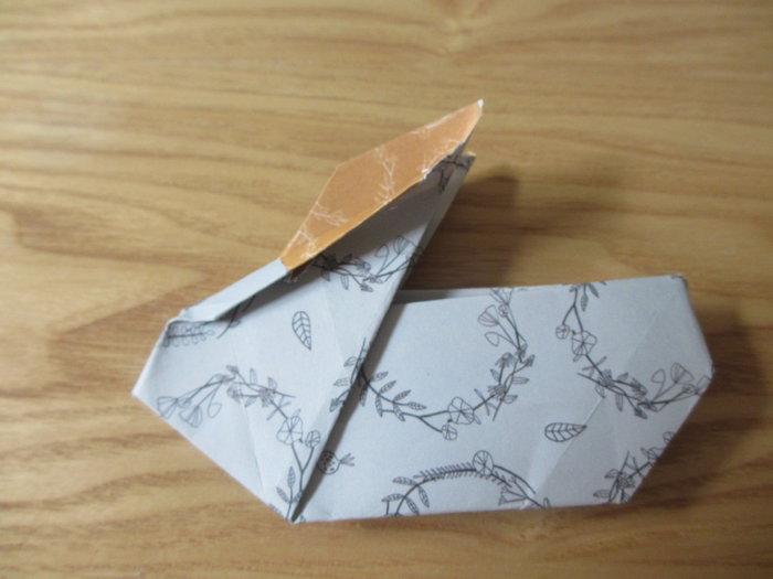 Un panier lapin en origami pour Pâques-Réalisation de la tête du lapin