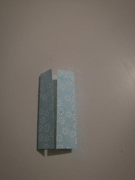 Mobile de printemps-Réalisation des élèments en origami : moulin à vent