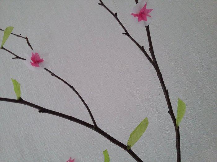L'arbre de printemps-Collage des fleurs et feuilles