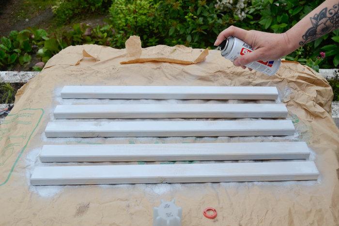 Moderniser une table en porte-plantes rétro-PEINDRE LA TABLETTE