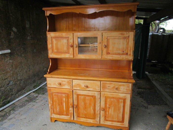 DIY : Rénovation d'un vaisselier avec pochoirs et peintures rétro-Le ponçage