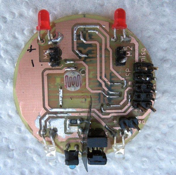 TinyBot24 mini robot autonome  4cm  25 Gr -Confection du CI et soudure des composants