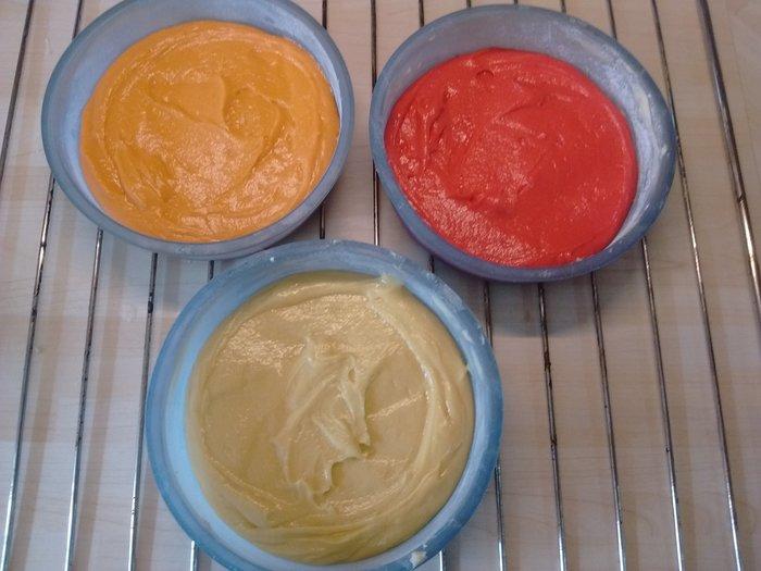 Gâteau arc en ciel-colorer sa pâte