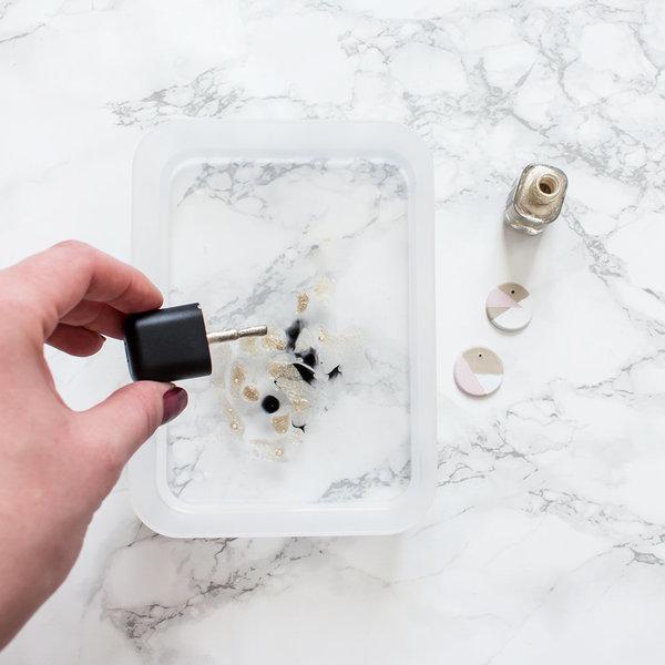 Bijoux : un pendentif marbré !-Réalisation de l'effet marbré & montage