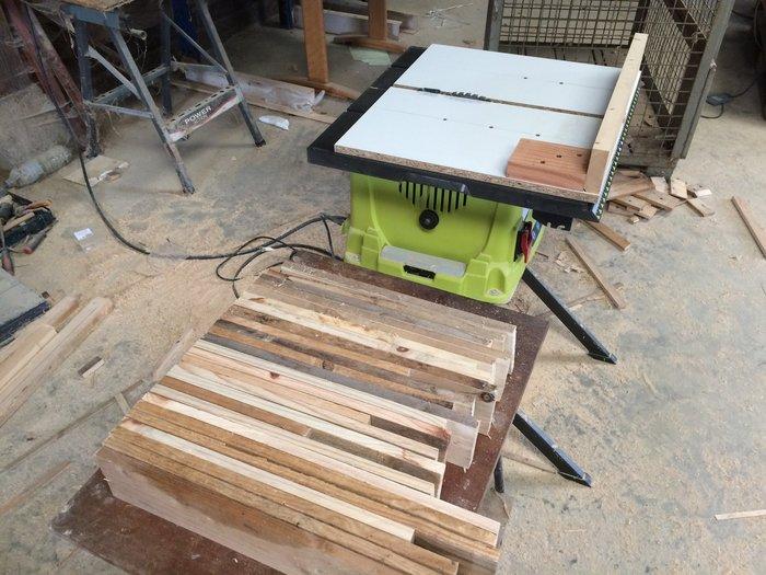 Des étagères hexagonales-Réalisation de la coupe en biseau