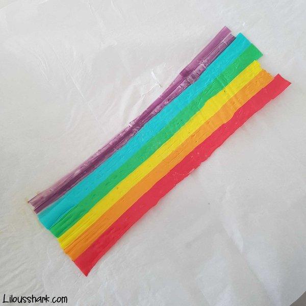 DIY : Recycler nos pailles en broche licorne rainbow-On découpe