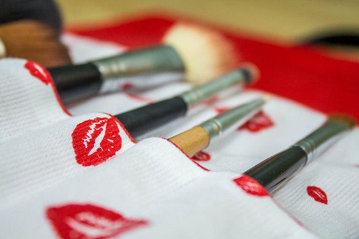 Pochette à makeup avec rangement pinceaux-Quelques photos