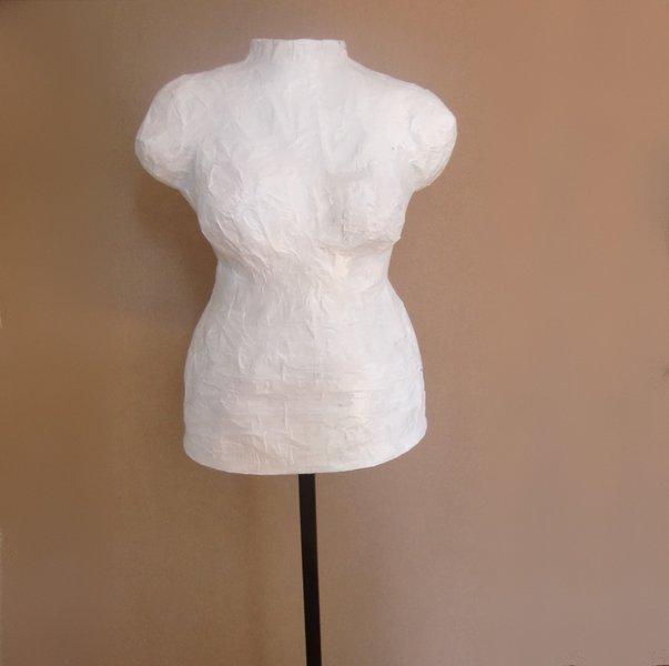 Un mannequin sur mesure-L'extérieur du buste