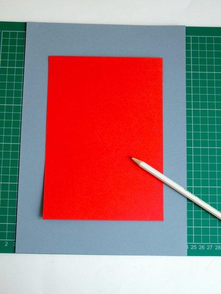 Un cadre en carton pour les petites mains-Découpe du cadre