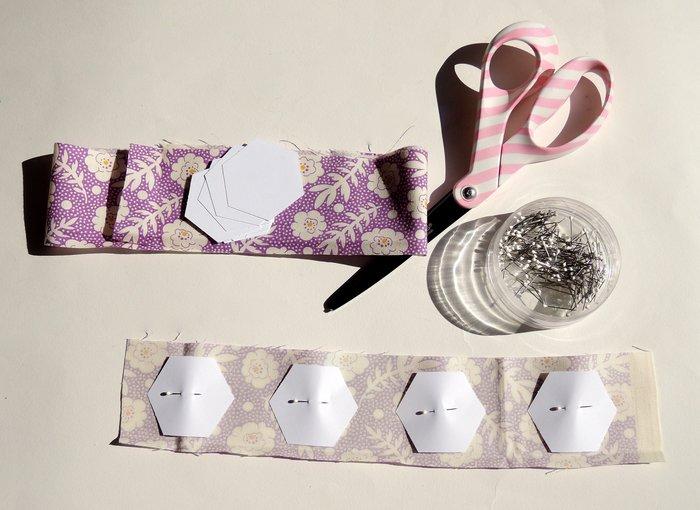 Un cadre en patchwork: DIY -Découpage des hexagones et du tissu