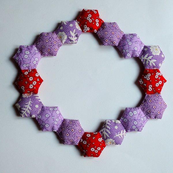 Un cadre en patchwork: DIY -Assemblage de deux hexagones