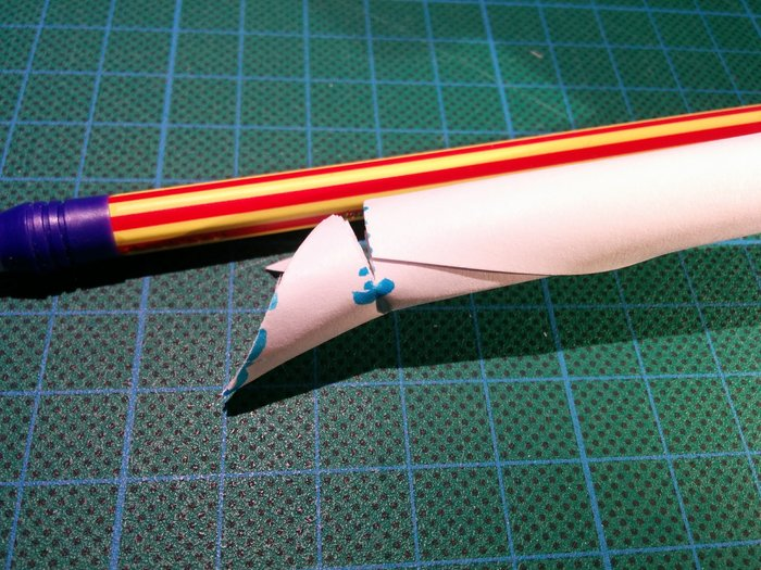Trompette en papier-Couper les lamelles