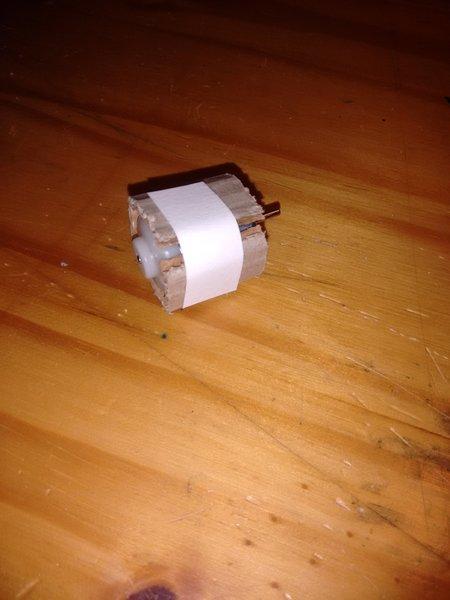 Ventilateur de table en carton-Le support moteur
