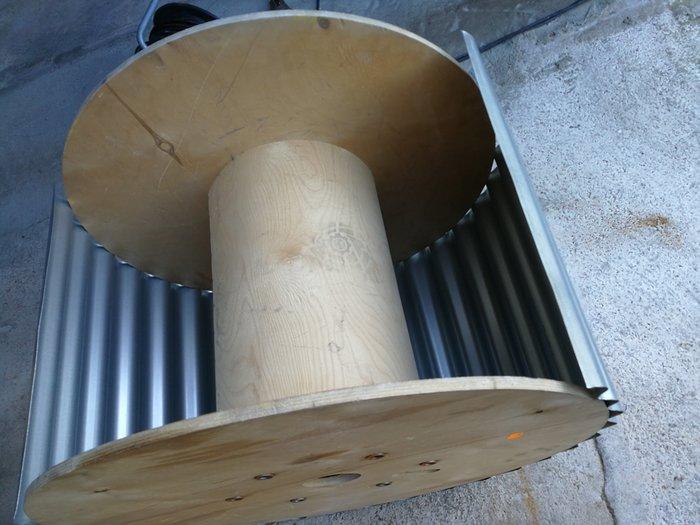 DIY : Table basse Miami Club-Plaquer la tole sur le touret