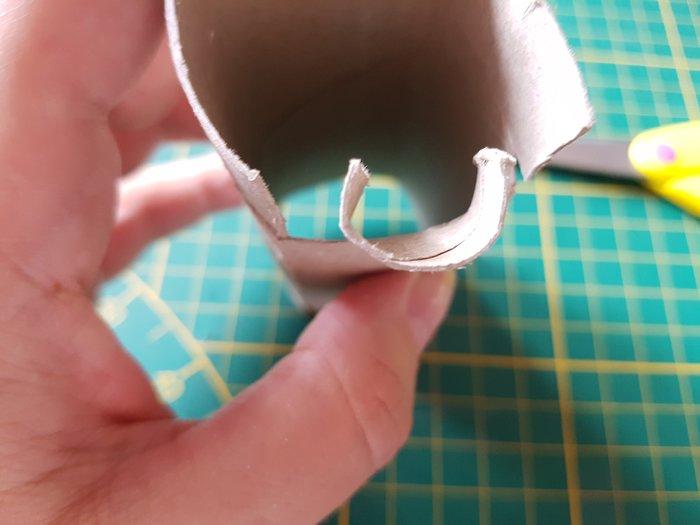 Décoration en tricotin recyclé.-Fabrication de l'outils à tricotin.