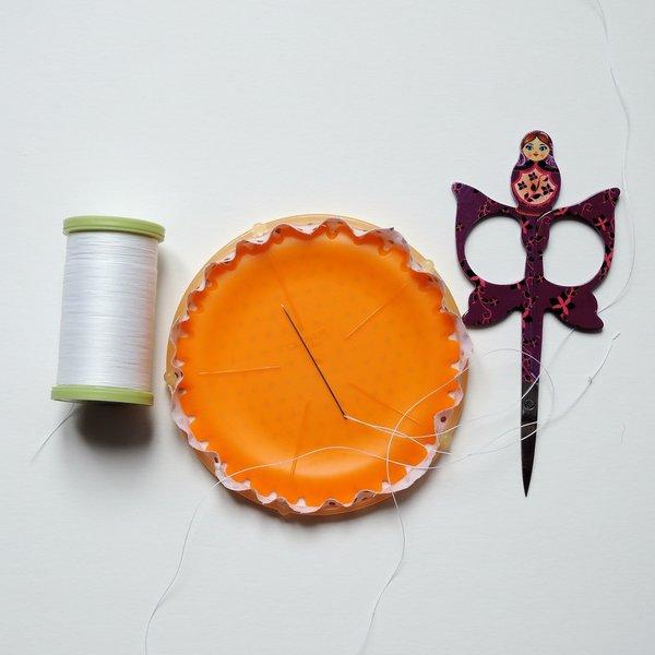 Un cadre pour ranger vos boucles d'oreilles-Comment faire un yoyo en tissu