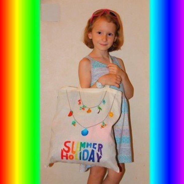 Un sac fourre tout pour l'été avec le plastique dingue !-Un sac de plage personnalisée