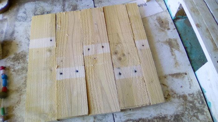 DIY : Un tabouret de bar en palettes-Création de l'assise: couper et poncer les planches transversales