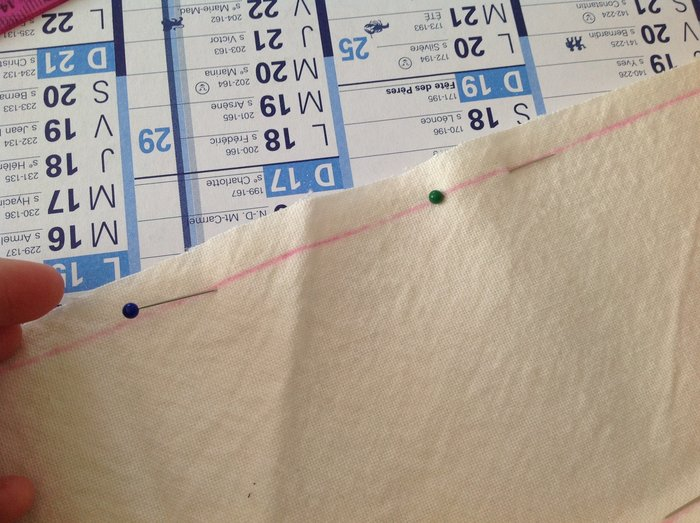 DIY : coussin pour bracelets-tracer l'emplacement de la couture