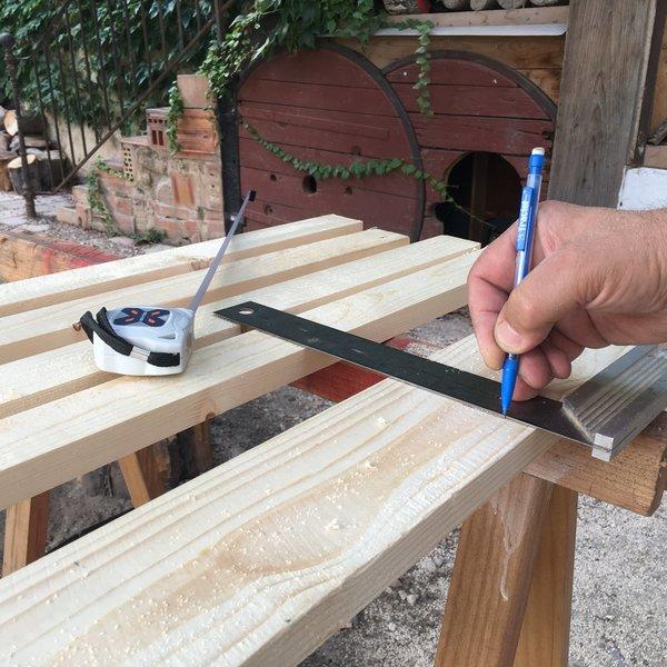 Une lampe pour préparer son voyage-préparation du pied de lampe
