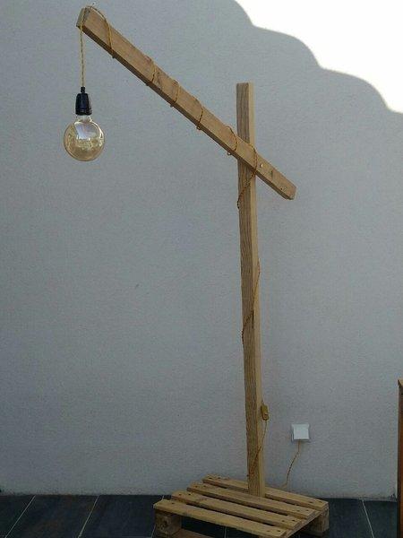 Un lampadaire tout en bois  .... -Assemblage :