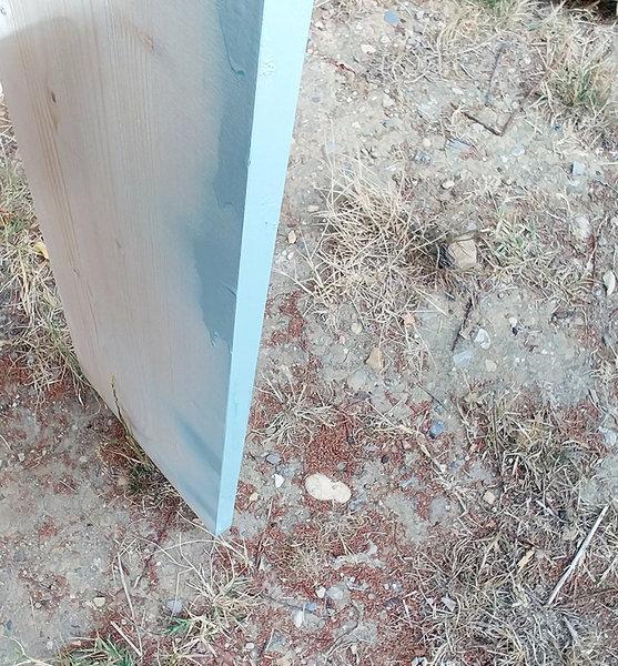 Une etagère suspendue-Préparation et peinture du bois