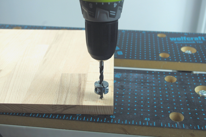 Luminaire design et pratique avec son chargeur USB intégré-Assemblage du plateau
