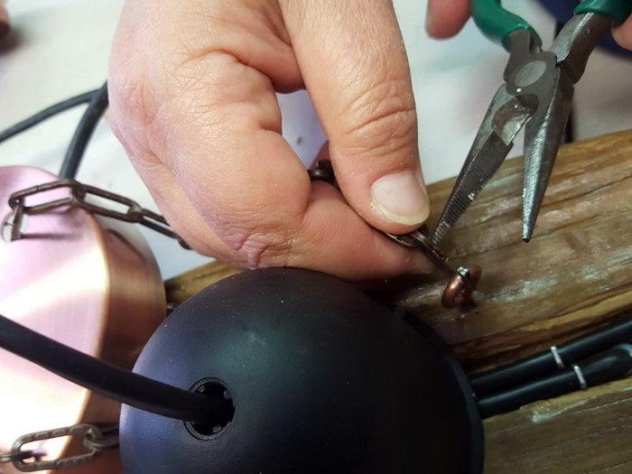 DIY : suspension en bois flotté et bocaux-Le système d'accrochage