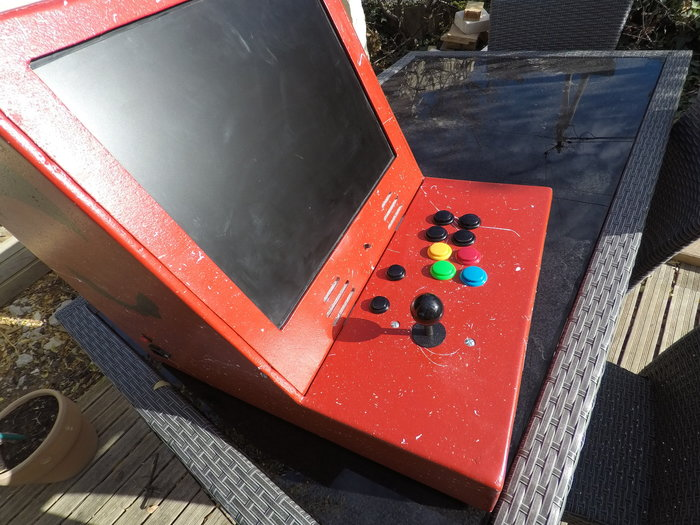 Fabriquer une borne d'arcade avec des matériaux recyclés-Fermez le Tout :D