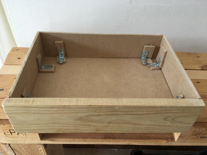 Une console en palette-Tiroirs
