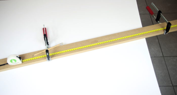 Luminaire design et pratique avec son chargeur USB intégré-La découpe du bois
