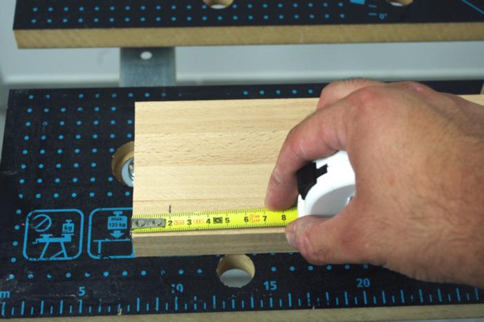 Luminaire design et pratique avec son chargeur USB intégré-Assemblage des cadres MDF avec les tasseaux en hêtre