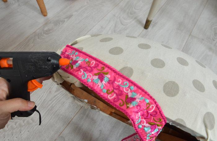 Rénovation d'une vieille chaise en bois et tissus-Décorer !