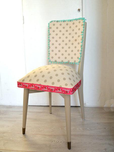 Rénovation d'une vieille chaise en bois et tissus-Remonter la chaise