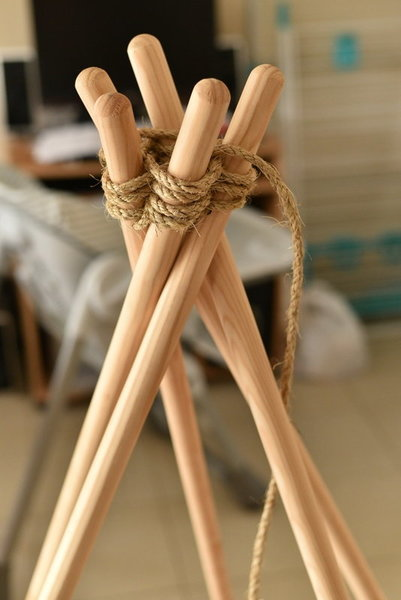 TIPI REVERIE (cocooning :-)  )-2 - Confection structure: Perçage des manches, enfilage corde